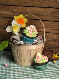 Rabbit in a hole cupcakes